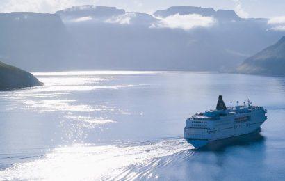 Při rezervaci trajektu na Sardinii můžete zvolit například služby společnosti Sardinia Ferries