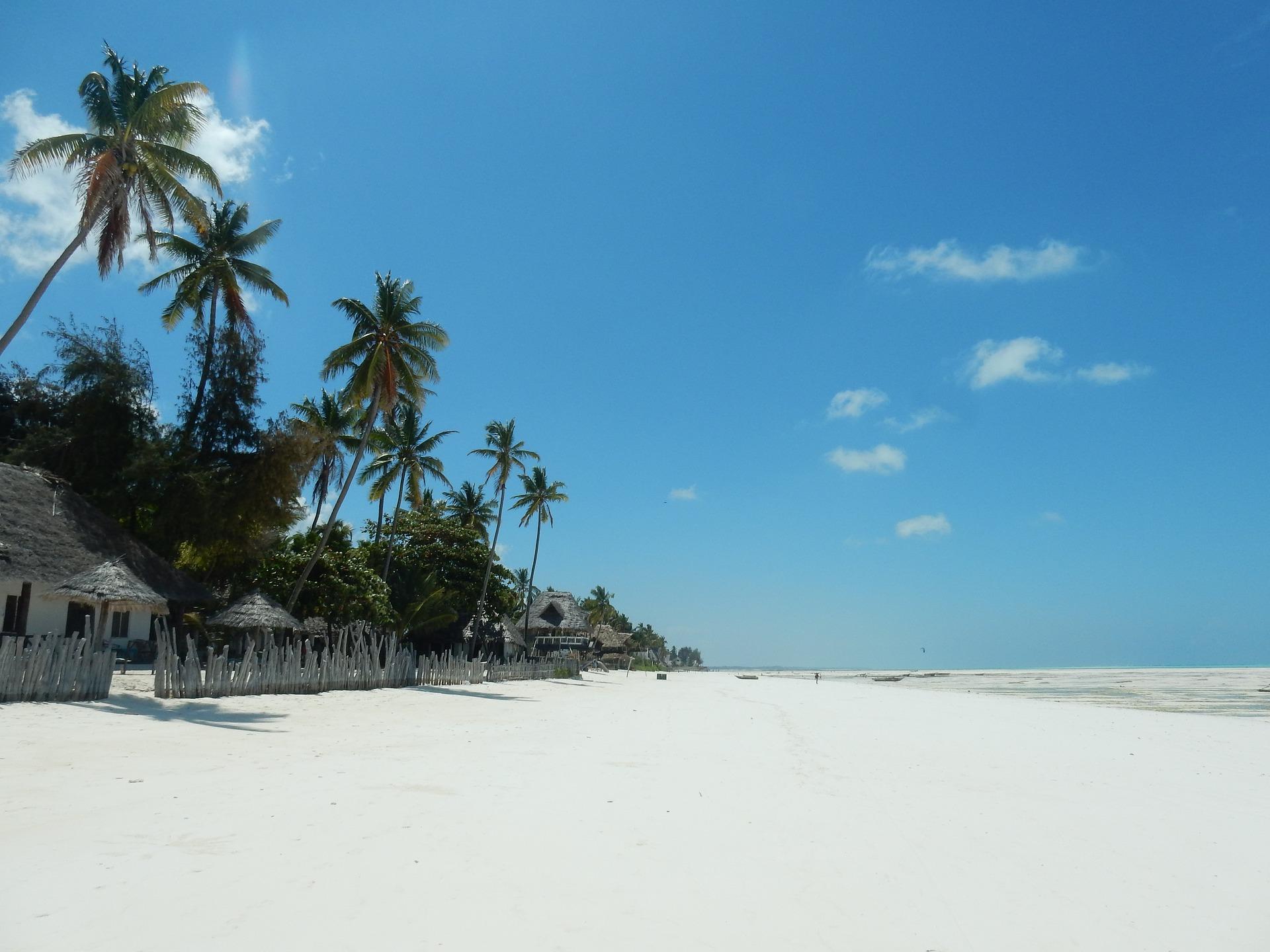 beach-2036446_1920