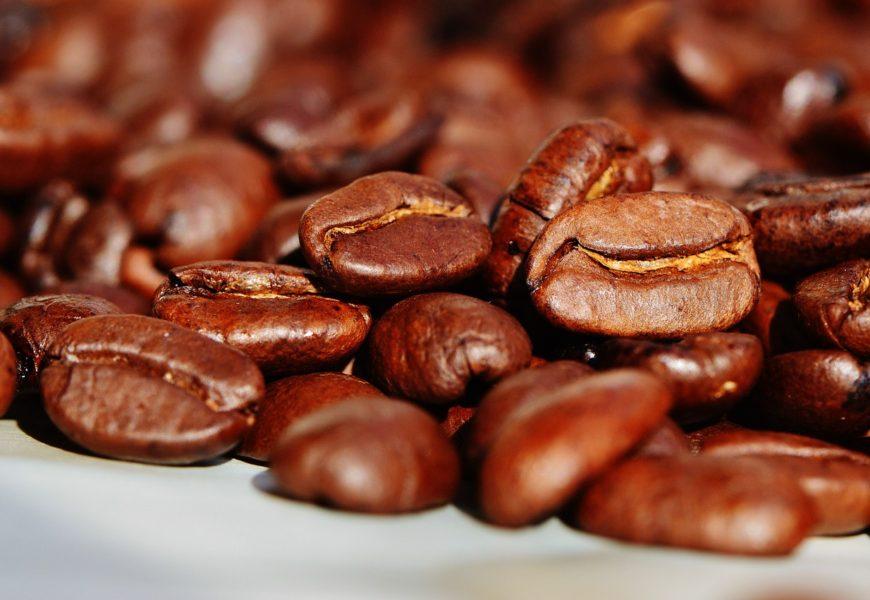 Pro čerstvou kávu z různých krajin už nikam nemusíte. Stačí si zajistit kávové předplatné